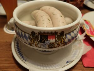 Salchichas Weißwurst, típica de Münich